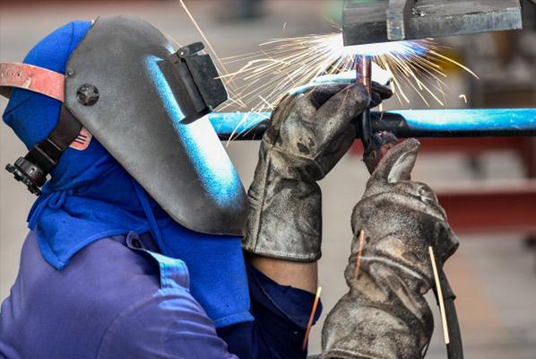 Зварювання як основний етап ремонту автомобільної бочки